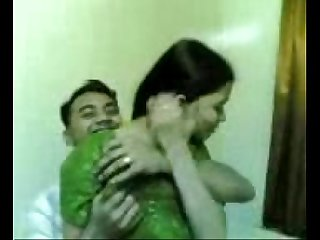 Desi Beautiful Indian Girl Fucking UPORNX.COM
