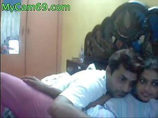 Indian Aunty Kareena Webcam Show - mycam69.com