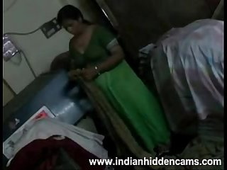 Amateur Indian Housewife